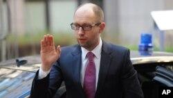 Ukraina muvaqqat bosh vaziri Arseniy Yatsenyuk