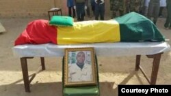 Le cercueil du commandant du GTIA Alfarouk Karim Niang, Tombouctou, 6 février 2016