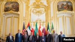 جمعے کو امریکی اور چھ خلیجی ملکوں کے وزرائے خارجہ نے پیرس میں ملاقات کی