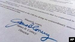 """Parte de la carta envida el 6 de noviembre de 2016 por el director del FBI James Comey al Congreso. La investigación se volvió a abrir con el descubrimiento de nuevos correos electrónicos """"pertinentes"""" y relacionados al primer lote enviado al FBI."""