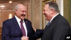 Президент Білорусі Олександр Лукашенко під час зустрічі із державним секретарем США Майком Помпео у Мінську, 1 лютого 2020 (Nikolai Petrov/BelTA Pool Photo via AP)