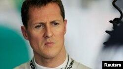Schumacher sufrió graves lesiones en la cabeza en un accidente de esquí en los Alpes franceses el 29 de diciembre del año pasado.