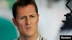 Pembalab Mercedes Formula One Michael Schumacher dari Jerman.