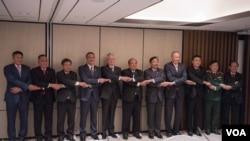 美国与东盟2017年6月4日在新加坡举行防长会议(美国国防部照片)