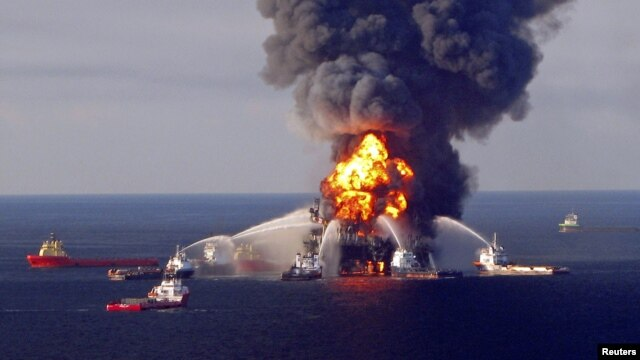BP mengaku bersalah atas insiden tumpahan minyak di Deepwater Horizon, lepas pantai Louisiana (21 April 2010).