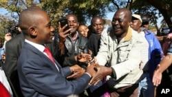 UMnu. Nelson Chamisa wenandla leMDC Alliance ukhuluma labantu eHarare.