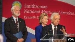 """""""Ha sido un honor ser parte del proyecto de preservación de la Bandera de Estrellas Centelleantes"""", dijo Ralph Lauren"""