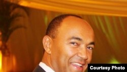 Peter Kenneth alitangaz tarehe 19 mwezi Mei, 2017 kwamba atawania ugavana kama mgombea huru