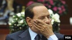 Durante años retuvo el poder a pesar de escándalos y acusaciones judiciales.