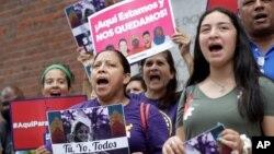 Biểu tình tại Boston phản đối việc chấm dứt Tình trạng Bảo vệ Tạm thời (TPS) do chính quyền Tổng thống Donald Trump đề nghị (ảnh chụp ngày 14/8/2019)