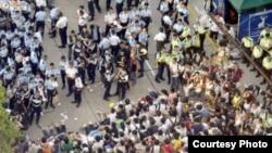 香港警方清场七 一学界预演占中(博讯图片)