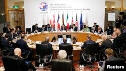 Para pejabat keuangan negara anggota G7 melakukan pertemuan di Sendai, Miyagi, Jepang membahas lesunya perekonomian global (20/5).