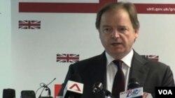 英國外交國務大臣施維爾