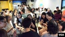 香港眾志舉辦《基本法》教材公眾討論會。(美國之音湯惠芸)