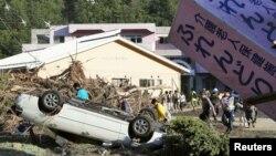 31일 태풍 '라이언록'이 강타한 일본 북부 이와이즈미의 노인요양시설이 잔해 더미에 둘러싸여있다. 이 곳에서 노인 등 9명이 숨진 채 발견됐다.