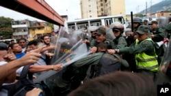 Las últimas noticias en el país caribeño han desatado protestas en la capital de Venezuela, Caracas, hoy viernes 31 de marzo de 2017.
