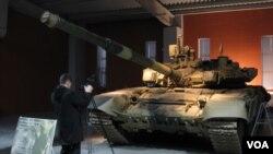 烏拉爾車廂廠博物館中展出的T-90坦克