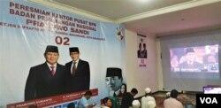 Nonton bareng Debat Capres perdana di Posko Badan Pemenangan Nasional BPN pengusung capres nomor 02 Prabowo-Sandi di Solo, Kamis malam (17/1).