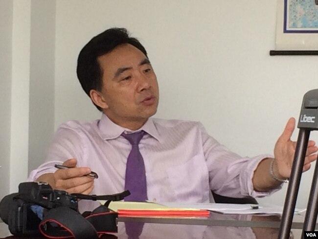 高光俊,纽约执业律师 (美国之音方冰拍摄)