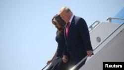 Дональд и Мелания Трамп в Международном аэропорту Эль-Пасо (7 августа, 2019)