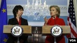 Clinton y Catherine Ashton discutieron la situación en Washington.