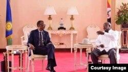 Rais wa Rwanda Paul Kagame na rais wa Uganda Yoweri Museveni