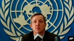Anthony Banbury, jefe de la misión de la ONU contra el ébola, sostiene que la batalla es de largo aliento.