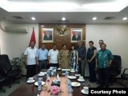 Tim advokasi bersama Senator Australia Rachel Siewert bertemu Ketua Wantimpres Prof Dr Sri Adiningsih di Jakarta Bulan Juli lalu (Foto: dokumentasi Tim Advokasi Petani Rumput Laut NTT)