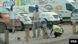 지난달 아프리카 세네갈의 건설 현장에서 북한 노동자들이 일하고 있다.