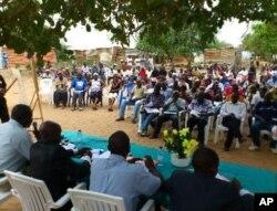 Aspecto da assembleia popular em Kambamba