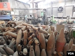 金门菜刀用的是大陆过去发射到金门的炮弹制成。(美国之音赵婉成拍摄)