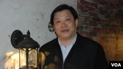 台商照明聯誼會中山區會長葉律松表示,中山招工困難的情況多年來都沒有改善。(美國之音湯惠芸拍攝)