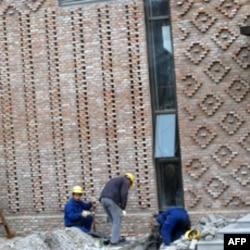 利用废砖建设场馆