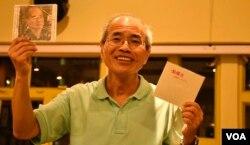 香港時事評論員劉銳紹自資推出六四30周年個人唱片。 (美國之音湯惠芸攝)