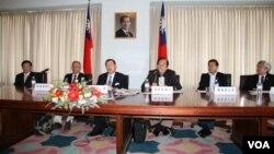 台美国会议员联谊会访美团记者会(来源: 美国之音钟辰芳)