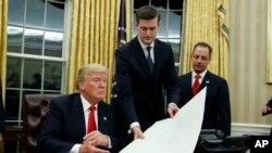 «راب پورتر» چهره معروفی در دولت به حساب نمی آمد و از او به عنوان مشاور و دستیار پرزیدنت ترامپ یاد شده بود.