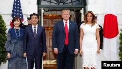 2019年4月26日,美國總統特朗普夫婦在白宮接待到訪的日本首相安培晉三夫婦。