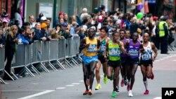 Kundi la wanaume wanaoongoza mbiyo za marathon za New York 2015