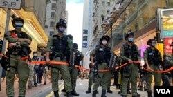香港警方10月1日在銅鑼灣一帶部署上千警力,拉起封鎖線,未有讓傳媒進入封鎖區採訪。