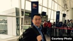 熊焱在香港机场。(照片由熊焱提供)