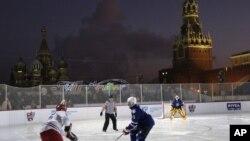 Показательный матч КХЛ на Красной площади