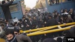 Zapad zaoštrava odnose sa Iranom