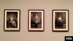 """بیش از ۸۰ عکس و ویدئو از ایران و جهان عرب در نمایشگاه """"راویه"""" در واشنگتن ارایه شده است."""