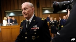 2013年6月4日美国参联会主席邓普西将军到美国参议院出席有关军中性侵问题的听证会。