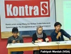 Dalam jumpa pers di Jakarta, Jumat, 6 Desember 2019, Komisi Orang Hilang dan Korban Tindak Kekerasan (KontraS) menyatakan kebebasan berkumpul di era kepemimpinan Presiden Joko Widodo mengkhawatirkan. (Foto: Fathiyah Wardah)