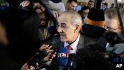 Yahya Al-Aridi, portavoz de la oposición siria habló con la prensa el martes, 24 de enero, de 2017, en Astana, Kazajistán.