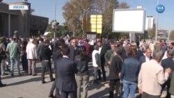 Ankara Garı'nda Ölen 103 Kişi Karanfillerle Anıldı