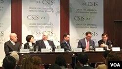 "Diskusi ""Asia Forecast 2016"" di CSIS, Washington DC. (VOA/Eva Mazrieva)"