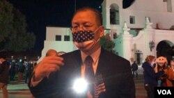 聖蓋博市副市長丁言愉說,推動聯邦政府,州政府和地方政府加強立法,不能歧視亞裔。(美国之音,2020年3月20日)