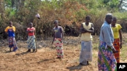 Guardiões dos túmulos do rei Ngola Kiluanje e da rainha N'Jinga Mbande